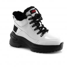 White colour women winter shoes