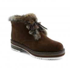 Brown colour women winter shoes